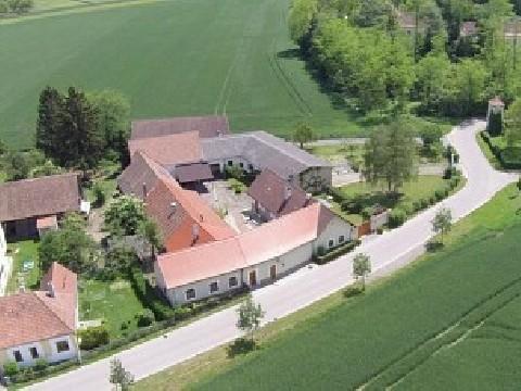 Bäuerliches Anwesen - moderner Wohnkomfort inklusive!
