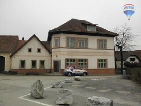 Ein/Zweifamilienhaus in Idolsberg