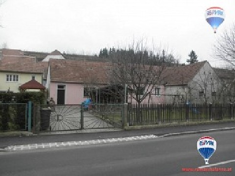 Eine Liegenschaft mit 2 Häusern